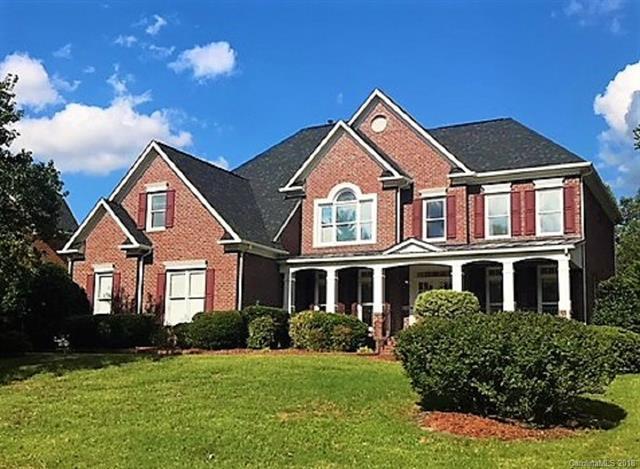 6430 Woodleigh Oaks Drive, Charlotte, NC 28226 (#3435417) :: The Sarah Moore Team