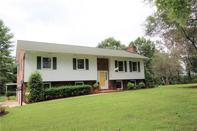 220 Hilltop Street, Connelly Springs, NC 28612 (#3435447) :: Washburn Real Estate