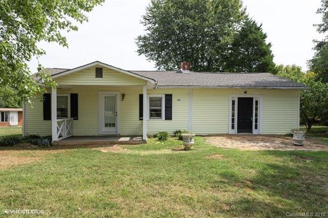 2584 Old Mountain Road, Statesville, NC 28625 (#3435452) :: Washburn Real Estate