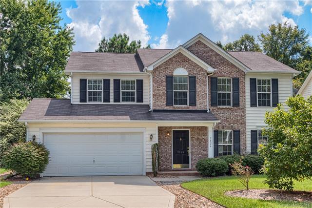 9824 Dauphine Drive, Charlotte, NC 28216 (#3435526) :: Cloninger Properties