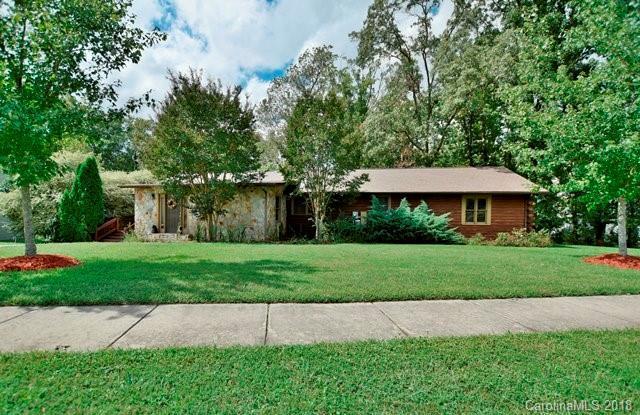 1925 Carpenter Cabin Drive, Charlotte, NC 28216 (#3435530) :: MECA Realty, LLC