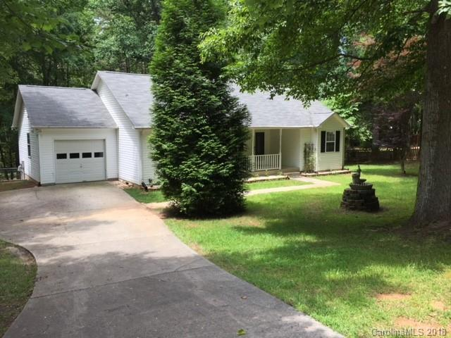 109 Pepper Circle, Mooresville, NC 28117 (#3435570) :: Rinehart Realty