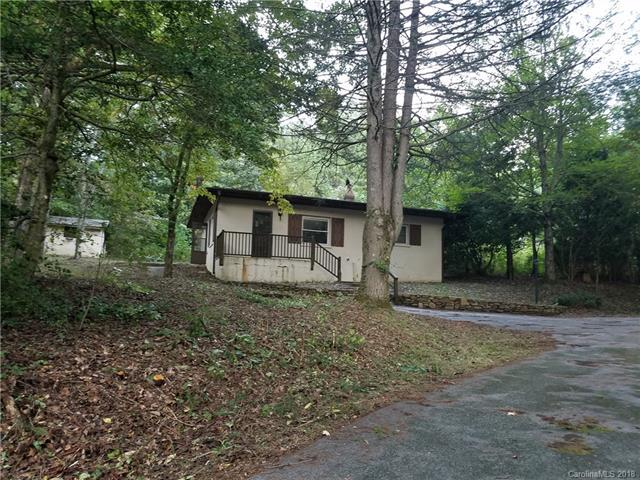 20 Rebeccas Pond Drive, Hendersonville, NC 28739 (#3435624) :: Charlotte Home Experts