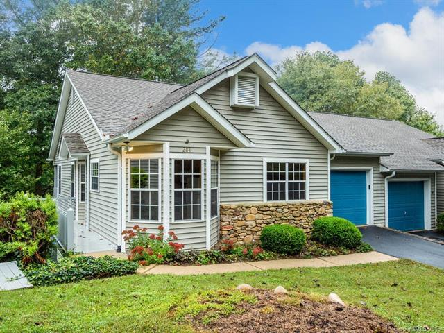 284 Laurel Park Place, Hendersonville, NC 28791 (#3435671) :: Washburn Real Estate