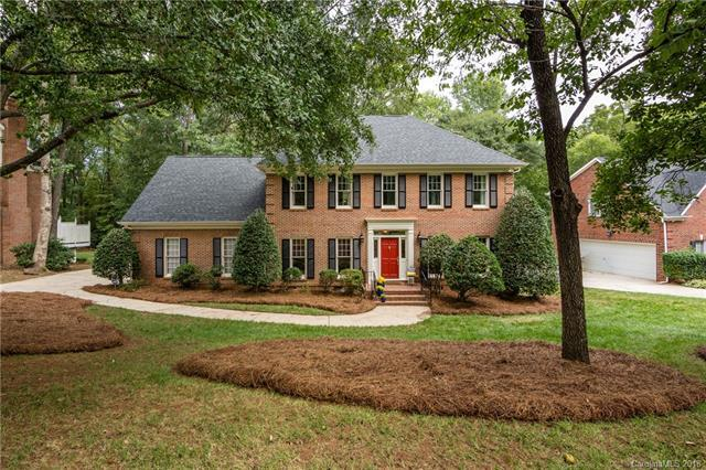 9819 Deer Brook Lane, Charlotte, NC 28210 (#3435806) :: Charlotte Home Experts