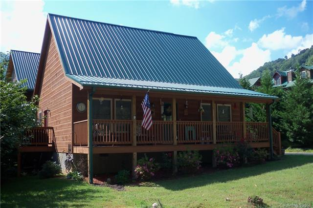 588 Panoramic Loop, Maggie Valley, NC 28751 (#3435837) :: High Performance Real Estate Advisors