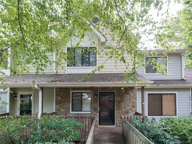 4031 N Course Drive, Charlotte, NC 28277 (#3436039) :: Phoenix Realty of the Carolinas, LLC
