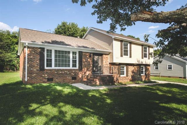 8908 Nightingale Lane, Charlotte, NC 28226 (#3436102) :: Robert Greene Real Estate, Inc.