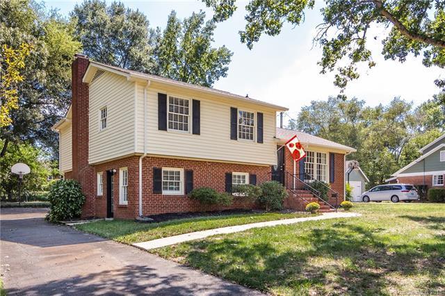 6825 Heatherford Drive #7, Charlotte, NC 28226 (#3436128) :: Robert Greene Real Estate, Inc.