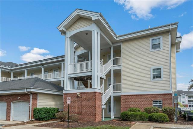 8937 Meadow Vista Road, Charlotte, NC 28213 (#3436181) :: Puma & Associates Realty Inc.