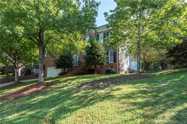 5801 Kinglet Lane, Charlotte, NC 28269 (#3436230) :: Odell Realty