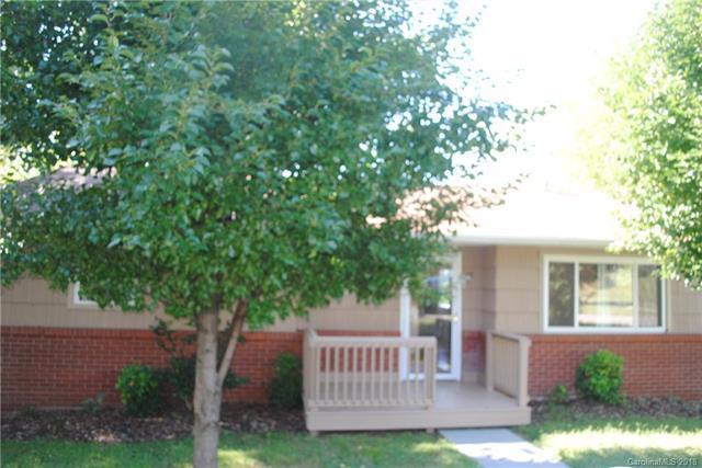15 Gilbert Street, Canton, NC 28716 (#3436256) :: Puffer Properties