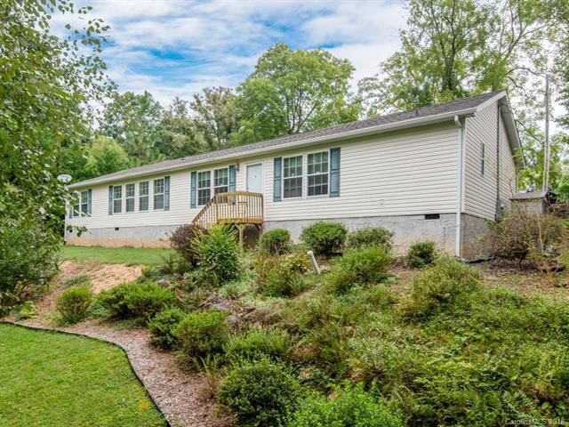 10 Hawks Cove Road, Arden, NC 28704 (#3436381) :: Johnson Property Group - Keller Williams