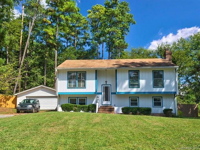 8508 Woodthorn Place, Charlotte, NC 28226 (#3436389) :: Robert Greene Real Estate, Inc.