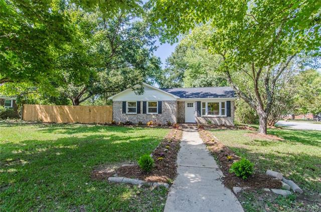 6105 Clearwater Drive, Indian Trail, NC 28079 (#3436462) :: The Ann Rudd Group