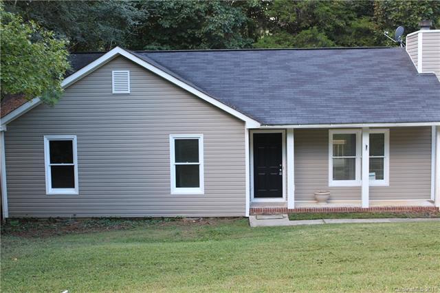 8001 Tiburon Circle, Charlotte, NC 28215 (#3436484) :: Exit Mountain Realty