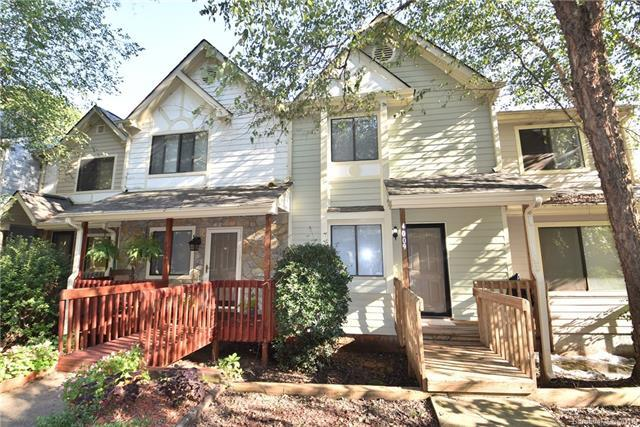 4009 North Course Drive, Charlotte, NC 28277 (#3436605) :: Odell Realty