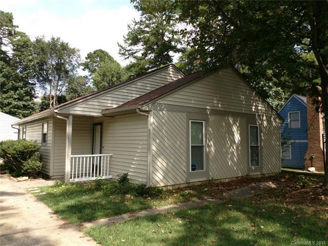 6313 Woodthrush Drive, Charlotte, NC 28227 (#3436698) :: Rinehart Realty