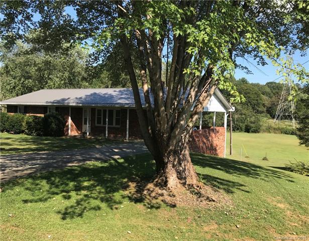 985 Brown Road, Pisgah Forest, NC 28768 (#3436847) :: Puffer Properties