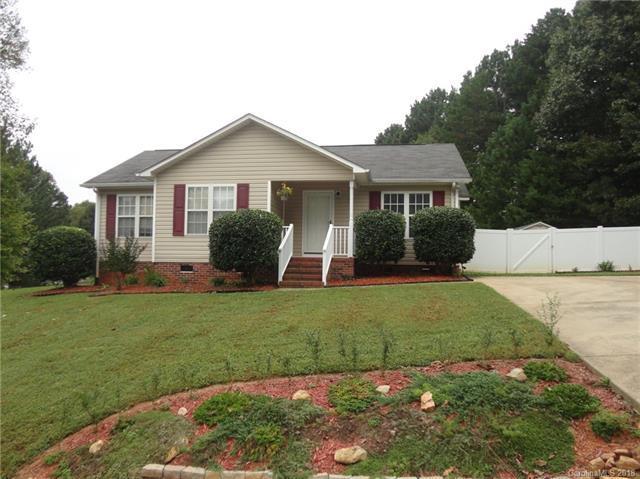 3376 Mooring Place, Sherrills Ford, NC 28673 (#3436995) :: Johnson Property Group - Keller Williams