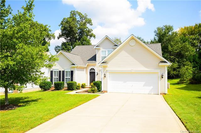 10923 Carver Pond Road, Charlotte, NC 28269 (#3437143) :: Roby Realty