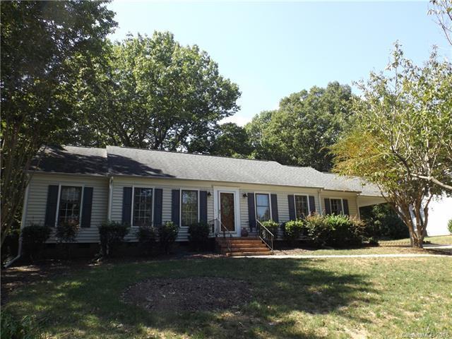 7106 Candlewyck Lane, Charlotte, NC 28226 (#3437246) :: Carlyle Properties