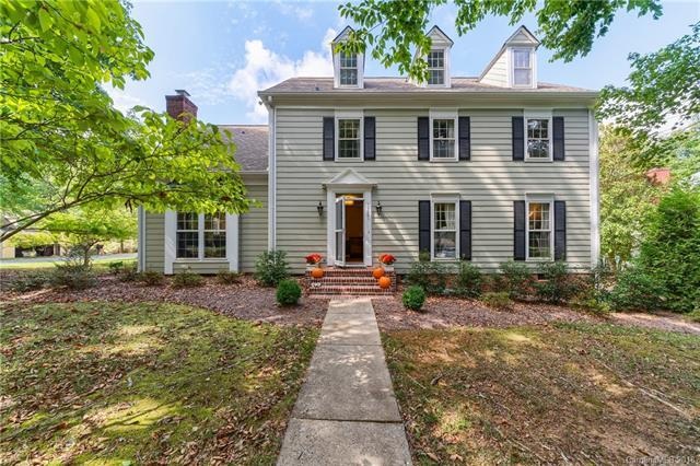 10001 Red Bluff Court, Charlotte, NC 28269 (#3437283) :: Miller Realty Group