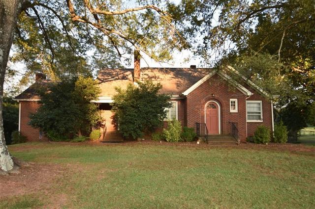 4346 Bethany Church Road, Claremont, NC 28610 (#3437316) :: Johnson Property Group - Keller Williams