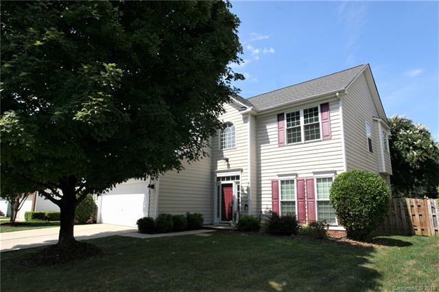 5416 Bentgrass Run Drive, Charlotte, NC 28269 (#3437418) :: Johnson Property Group - Keller Williams