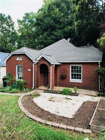 4235 Commonwealth Avenue, Charlotte, NC 28205 (#3437492) :: Johnson Property Group - Keller Williams