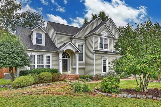 4711 Brownes Ferry Road, Charlotte, NC 28269 (#3437809) :: The Ramsey Group