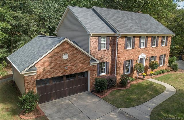 6555 Cross Field Lane, Charlotte, NC 28226 (#3438009) :: Rinehart Realty