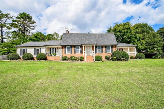 1611 Thompson Drive, Concord, NC 28025 (#3439576) :: Exit Mountain Realty