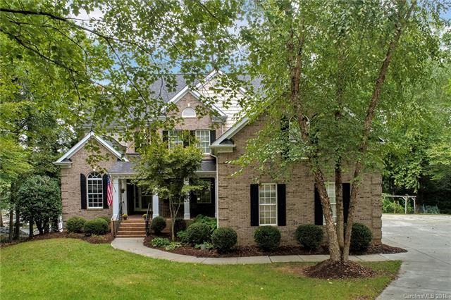 2509 Beacon Crest Lane, Lake Wylie, SC 29710 (#3439888) :: Besecker Homes Team