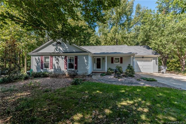 9505 Kent Village Drive, Charlotte, NC 28269 (#3439955) :: Miller Realty Group
