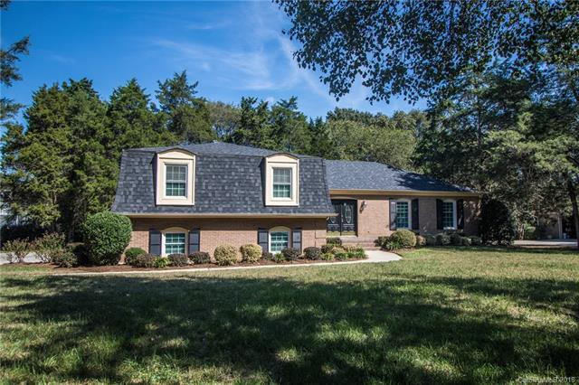 4401 Montibello Drive, Charlotte, NC 28226 (#3439984) :: Exit Mountain Realty