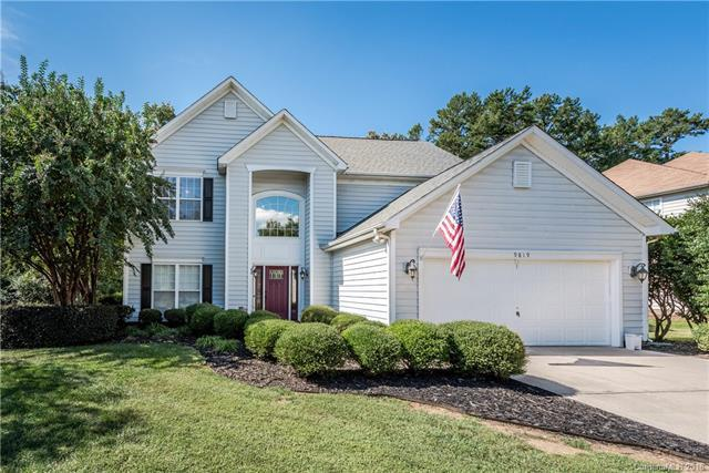 9819 Ashburton Drive, Charlotte, NC 28216 (#3440297) :: The Temple Team