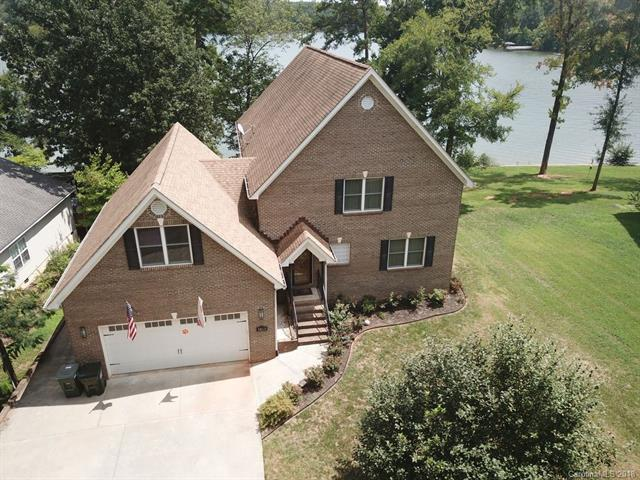 5600 Riverfront Road, Lake Wylie, SC 29710 (#3440548) :: Miller Realty Group