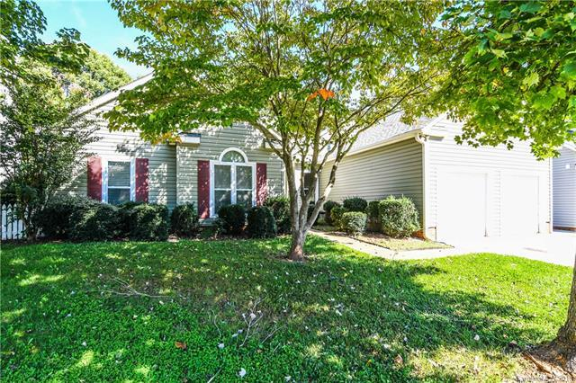 131 Lakewood Circle Drive, Mooresville, NC 28117 (#3440555) :: Odell Realty