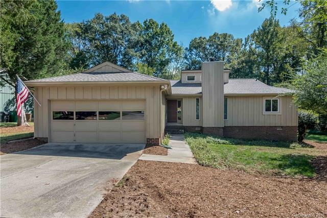 10101 Four Mile Creek Road, Charlotte, NC 28277 (#3441254) :: Odell Realty