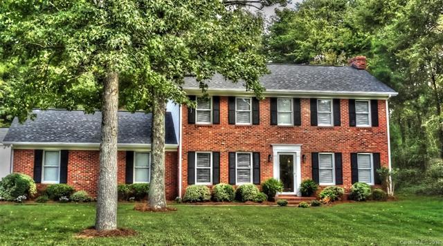 1800 Falconhurst Drive #7, Charlotte, NC 28216 (#3441380) :: LePage Johnson Realty Group, LLC