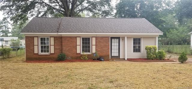910 Dedmon Drive, Charlotte, NC 28216 (#3441636) :: Scarlett Real Estate