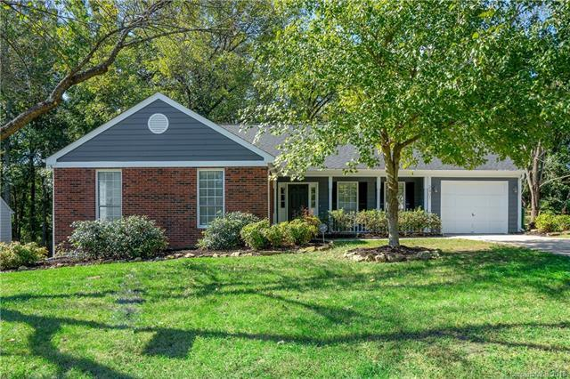2401 Oak Leigh Drive, Charlotte, NC 28262 (#3441680) :: Odell Realty
