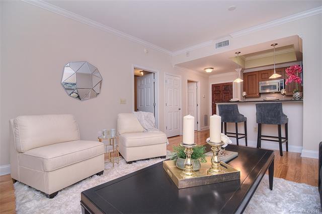 300 W 5th Street #233, Charlotte, NC 28202 (#3441953) :: Scarlett Real Estate