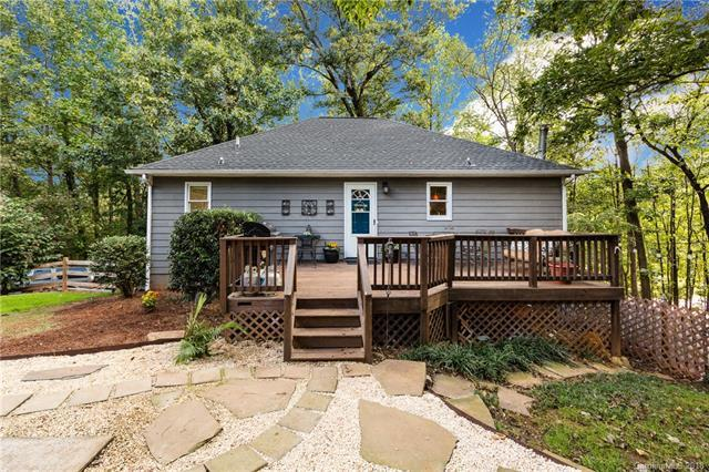 1058 Watts Drive, Charlotte, NC 28216 (#3442111) :: Exit Mountain Realty