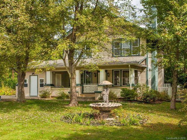 66 Lamplighter Lane, East Flat Rock, NC 28726 (#3442191) :: RE/MAX Four Seasons Realty