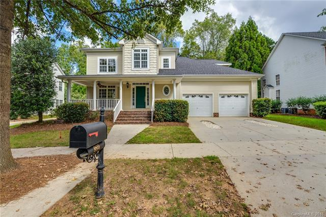 9815 Willow Leaf Lane, Cornelius, NC 28031 (#3442325) :: Herg Group Charlotte