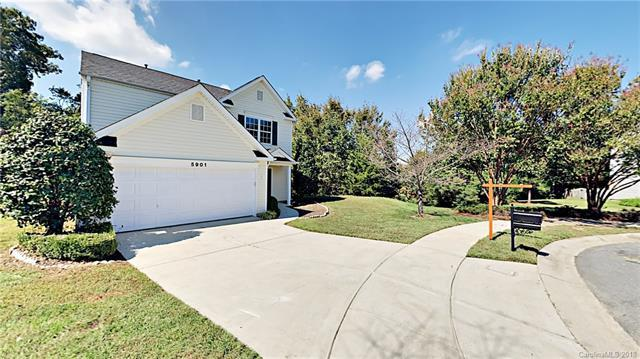 5901 Hidden Meadow Lane, Charlotte, NC 28269 (#3442331) :: Roby Realty