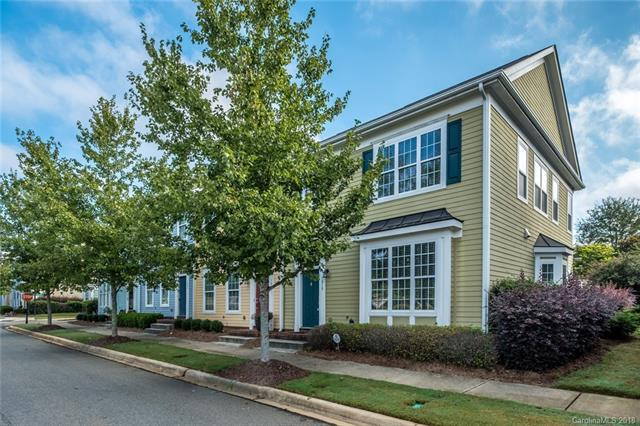 1015 White Point Drive, Huntersville, NC 28078 (#3442387) :: Roby Realty