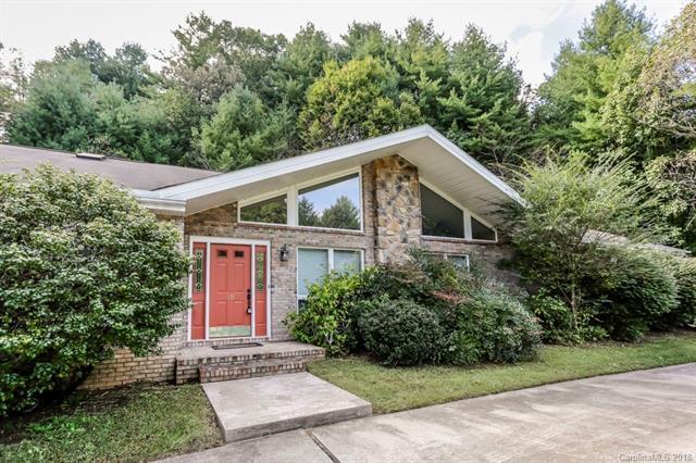 18 Westbridge Drive, Hendersonville, NC 28739 (#3442415) :: Keller Williams Professionals